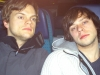 Paul und Willi sind müde im Zug